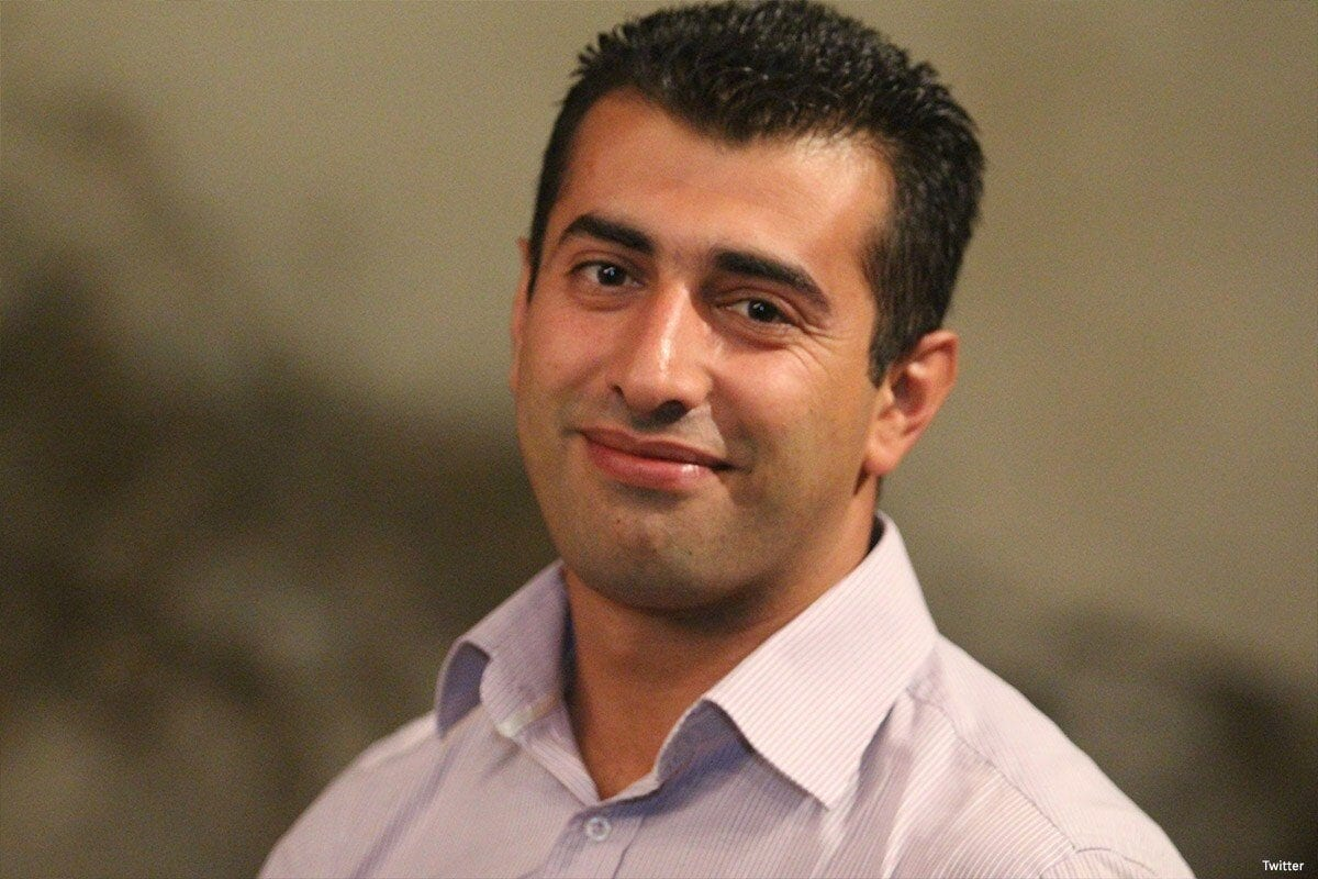 Tome uma atitude: Liberte Mahmoud Nawajaa!